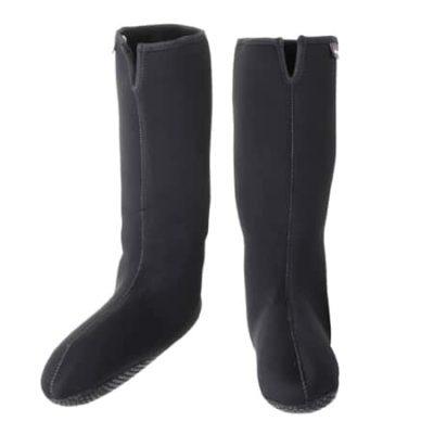 磯釣りシューズの防寒と靴の防水は磯靴と〇〇で決まる!【長靴】