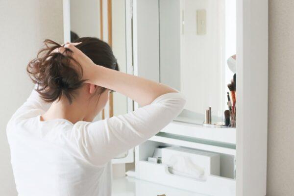 女のつむじはげを髪型で隠す方法を解説