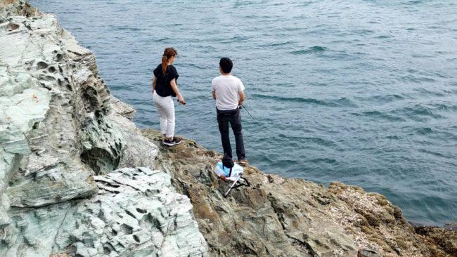 釣り場で会ったカップル