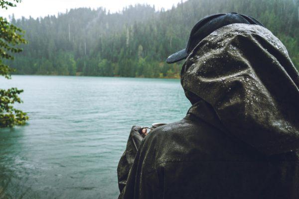 【失敗しない】釣り用レインウェアの選び方とおすすめ!