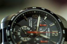 釣りに使う腕時計は仕事と釣り両方で使える大人な腕時計がいいね