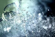 【10秒洗浄】スピニングリールの手入れは水でジャブジャブ洗う
